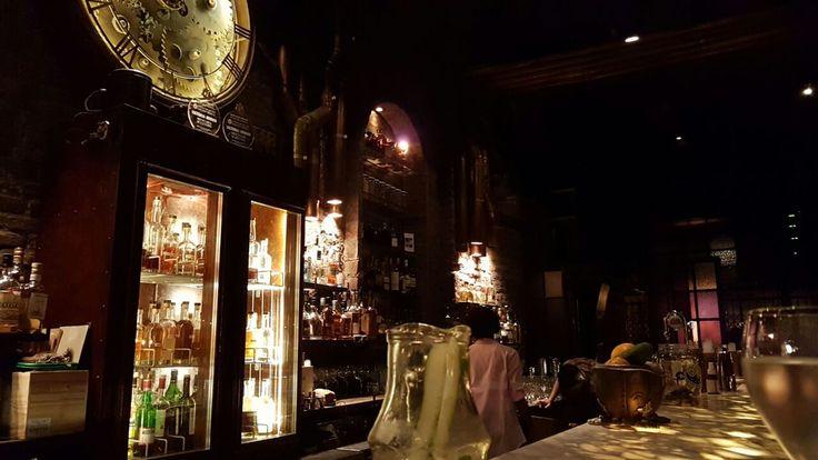 Oiga, Doña Laura! sale de bares y te deja una reseña de las mejores barras de Capital Federal. Capítulo III: Victoria Brown.