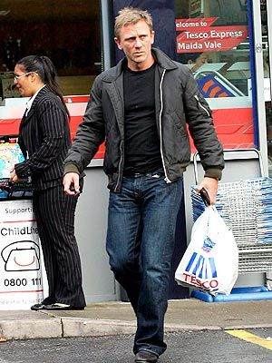 Carrying the HELL out of that Tesco bag.