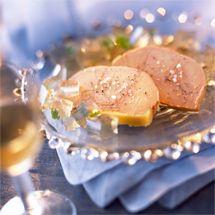 Recette de Terrine de foie gras lutée par Francine. Découvrez notre recette de Terrine de foie gras lutée, et toutes nos autres recettes de cuisine faciles : pizza, quiche, tarte, crêpes, Entrées de Noël, ...