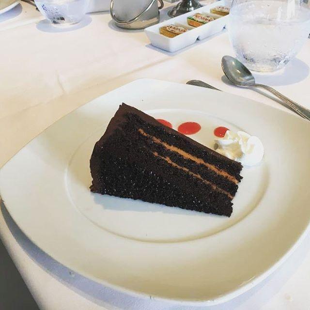#celebrity #celebrityreflection #celebritycruises #dessert #cioccolato #torta #pannaecioccolato ioccolato #cruisefood  #foodporn  Foto di Marta Tenerini http://tipsrazzi.com/ipost/1511076012136337733/?code=BT4a6CEABFF