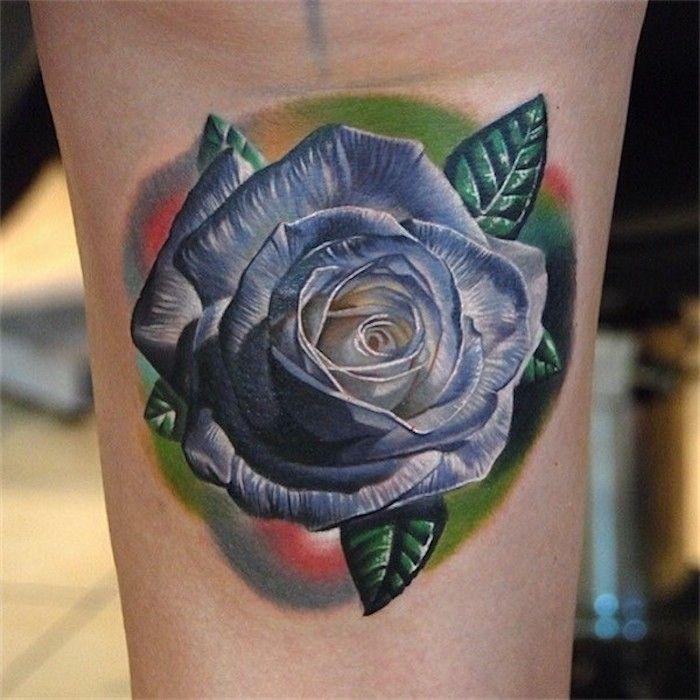 Tattoo Bedeutung Realistisches Farbiges Rosen Tattoo Himmelblaue Rose Blumen Tattoo Blaue Rose Tattoos Rose Tattoo Ideen