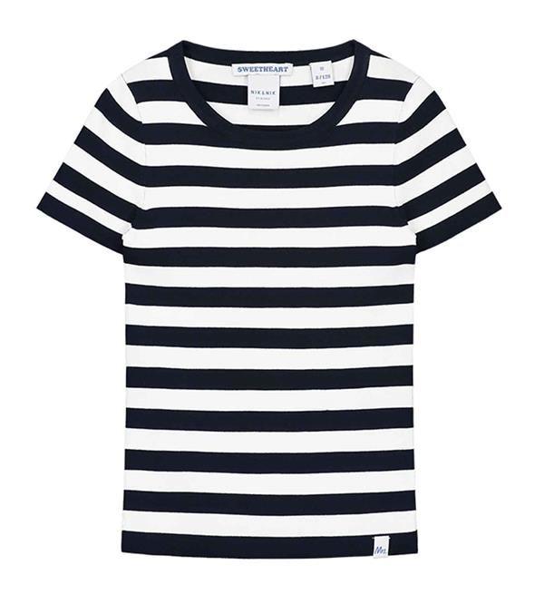 Nik and Nik gestreept t-shirt Jolie Top SS. Gestreept shirt in donkerblauw dessin met korte mouwen. Nik & Nik meisjeskleding by Nikkie Plessen.