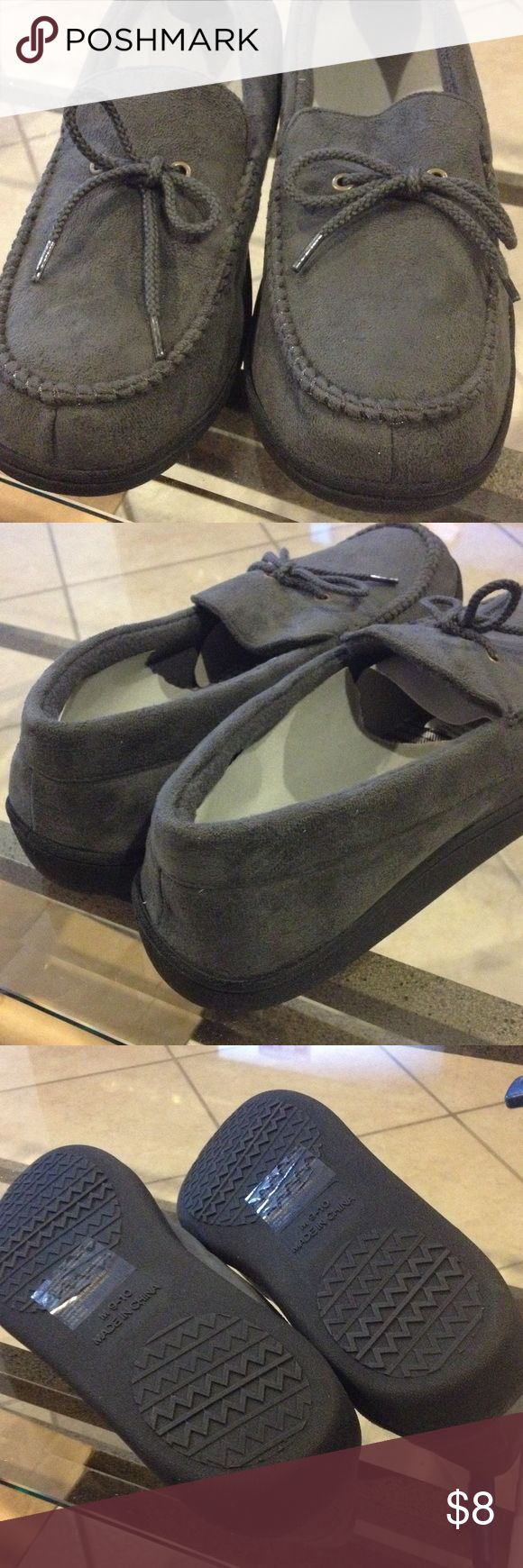 Medium (9-10) men's moccasin slipper NWT Mens medium (9-10) sporty moccasin slipper new with tags Shoes