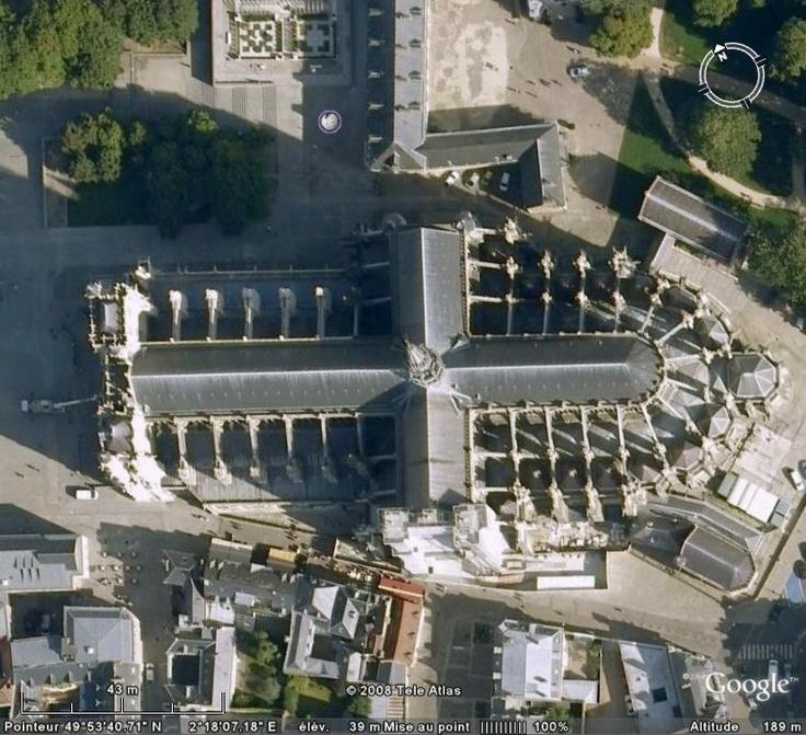 La cathédrale Notre Dame d'Amiens a été construite à partir de 1220 et a été achevée en 1528.