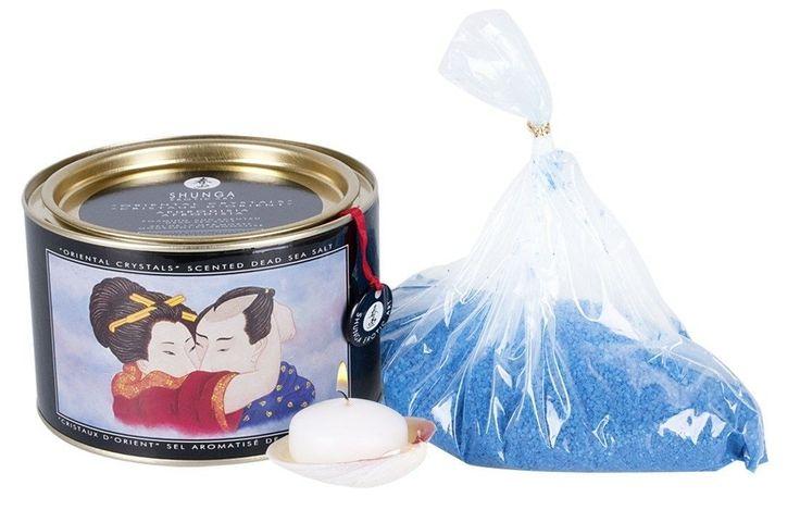 Baden und geniessen! Shunga Badesalz aus dem Toten Meer mit orientalischem Duft. 600-g-Dose inklusive weisser Schwimmkerze und exotischer Muschel.
