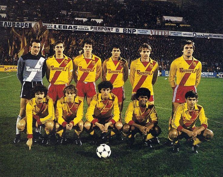 RC LENS 1982-83. Debout : Hédoire, Flak, Sénac, Ogaza, Krawczyk, Tirloit. Accroupis : Xuereb, Piette, Vercruysse, Bade, Brisson.