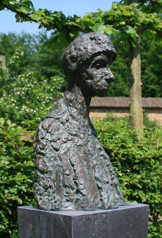 Charlotte van Palland  Portret van Ro Mogendorff (1968) brons