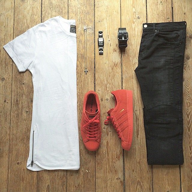 or: #WDYWTgrid by @_patrk  #WDYWT for on-feet photos #WDYWTgrid for outfit lay down photos •