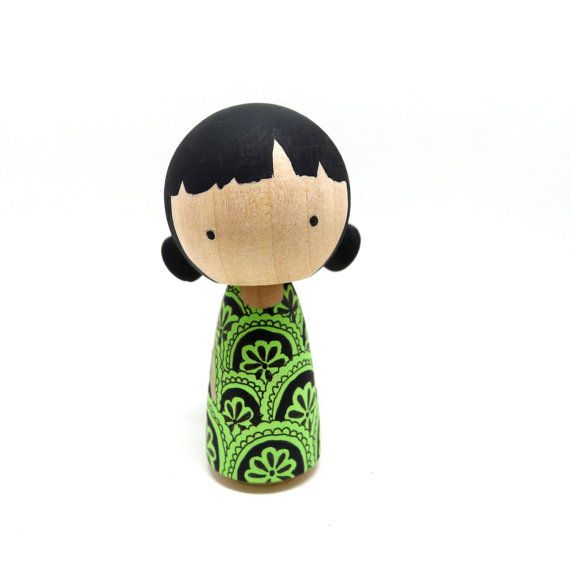 Wooden Peg Doll Kokeshi Design Girl- Curious Carly
