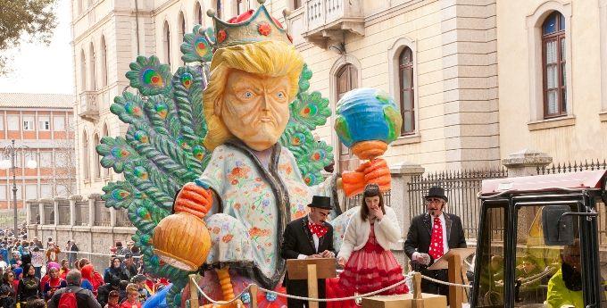 Tempio+Pausania,+Domenica+di+Carnevale,+le+nozze+di+Re+Giorgio+Trump+e+Mannena+attese+da+migliaia+di+persone.