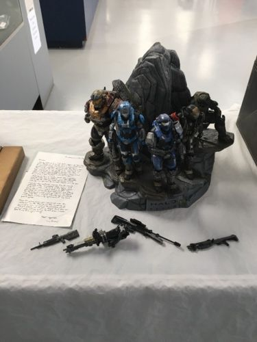 Halo-Reach-Legendary-Edition-034-Noble-Team-034-Statue-Figures