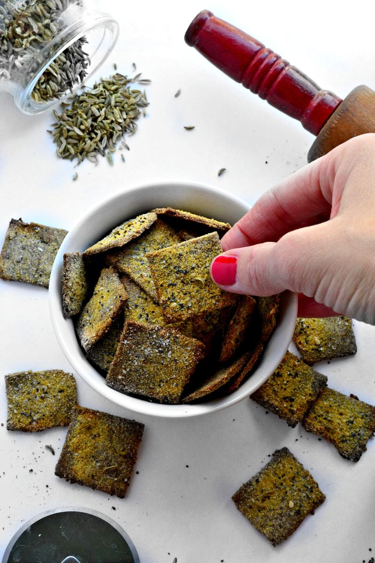 Packed with a cruch, these Grain-free Everything Crackers satisfy any craving. Paleo and vegan!