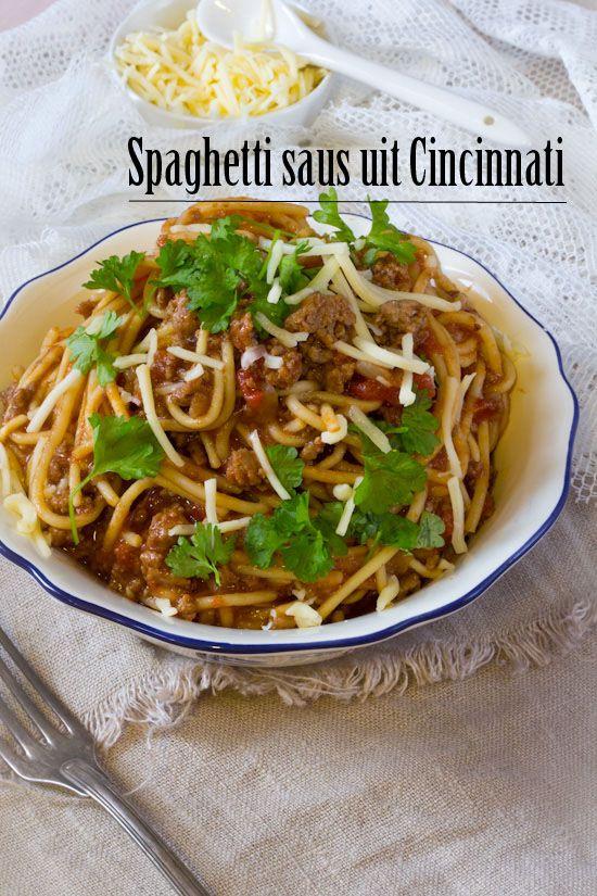 Spaghetti saus uit Cincinnati. Deze saus wordt eigenlijk chili genoemd, maar bevat geen peulvruchten. Een snel en simpel recept voor eens iets anders.