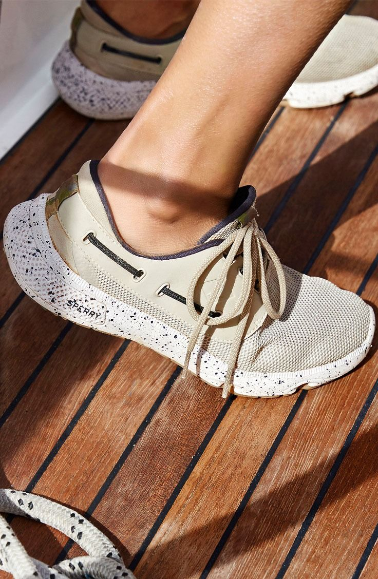Get a grip on the high seas in the Sperry 7 SEAS