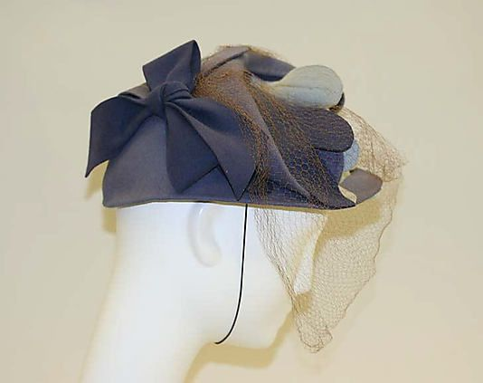 Late 1940's. Bonwit Teller.  Beautiful felt trimming.: Bonwit Teller, Late 1940 S, Beautiful Felt, Felt Trimming, Vintage Hats, 40 S Hats