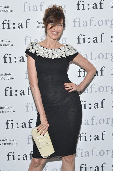 Carol Alt Photos - Model Carol Alt attends French Institute Alliance Francaise (FIAF)'s 2017 Art de Vivre Award Gala at French Institute Alliance Francaise on June 12, 2017 in New York City.  (Photo by Mike Coppola/Getty Images for French Institute Alliance Francaise (FIAF)) - French Institute Alliance Francaise (FIAF)'s 2017 Art de Vivre Award