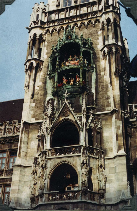 Munich: Glockenspiel; English garden; Hofbrauhaus night #1 on our trip to Italy we will stop in Munchen to visit a good friend.