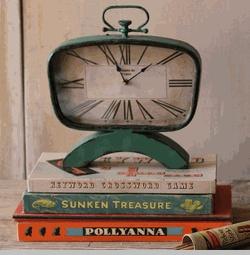 Mid Century Desk Clock