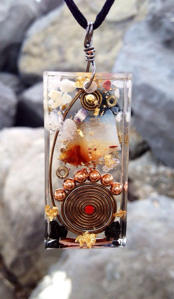 Dynamic pure Life Orgone healing pendant with by CrystalOrgonites