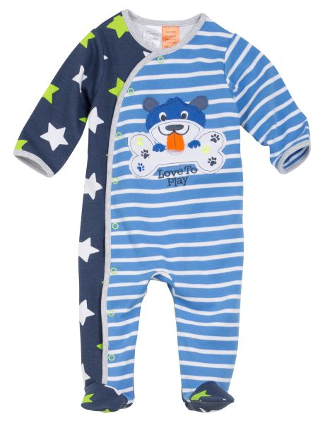 Made from 100% cotton, this long-sleeved sleepsuit has a dog applique on the chest, and an all-over star and stripe print. The sleepsuit also features enclosed feet and a dome opening.