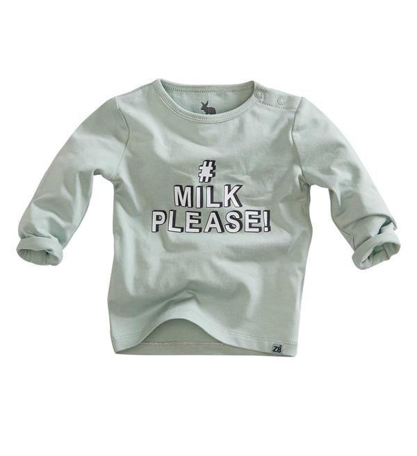 Z8 Newborn t-shirt Appie met tekst print op de voorzijde: # MILK PLEASE!. Dit shirt heeft lange mouwen en een ronde hals.     Dit item komt uit de Z8 baby newborn collectie  najaar/winter 2017/2018. Shop de complete Z8 babykleding direct online @  https://www.nummerzestien.eu/z8-newborn/baby-jongens/