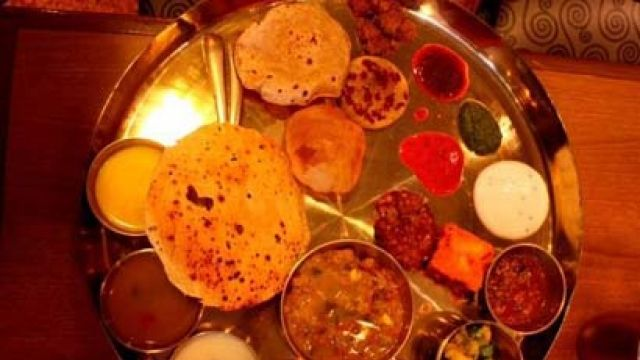 De Thali: A healthier 'thali' featuring cuisine from all over India | Latest News & Updates at Daily News & Analysis