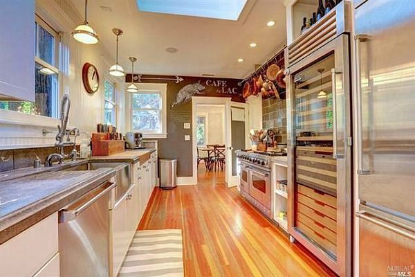 What to do with a galley kitchen-Celebrity Chef Tyler Florence Mill Valley Cottage