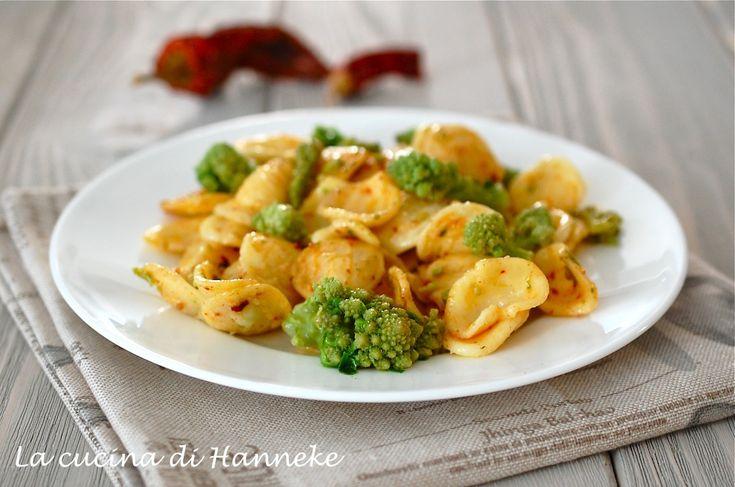 Un piatto semplice, saporito e ricco di una verdura dall'aspetto bellissimo e molto salutare: la pasta con nduja e broccolo romanesco.