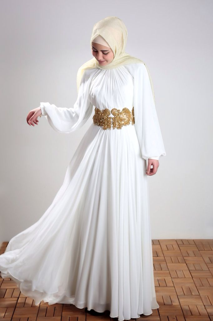 This beautiful piece is a unique Turkish dress made from chiffon send is made in Turkey. It has a butterfly-like design and can be your next favorite pick for special events. Get it now!