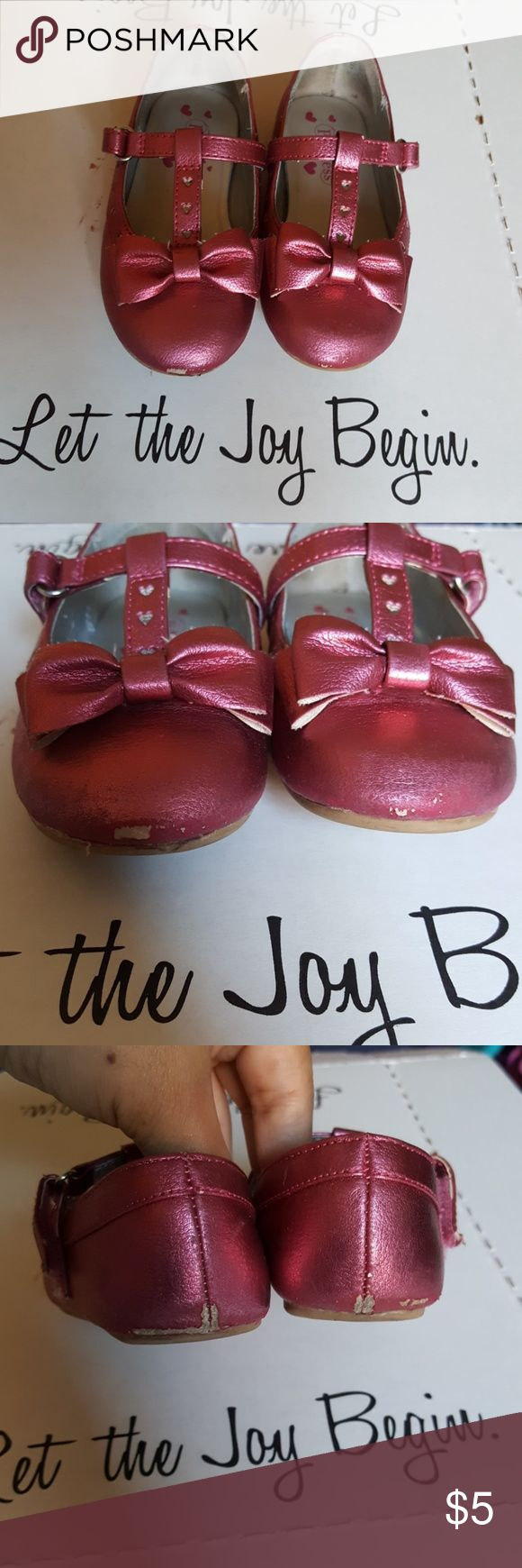 Metallic pink toddler dress shoes This a super cute pair in good used condition. See pic 2 & 3 for scuffs on front and back of shoe. Great Disney shoes to dress up or down! Bundle and save! Disney Shoes Dress Shoes