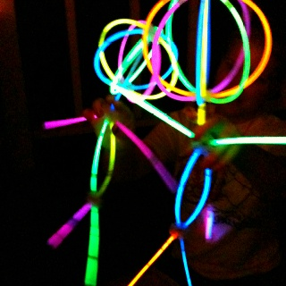 Glow stick people! Good fun with the kids!: Kid