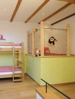 Kinderzimmer Luxus-Ferienwohnung Am Scheunentor Esterer Hof Chiemsee Oberbayern
