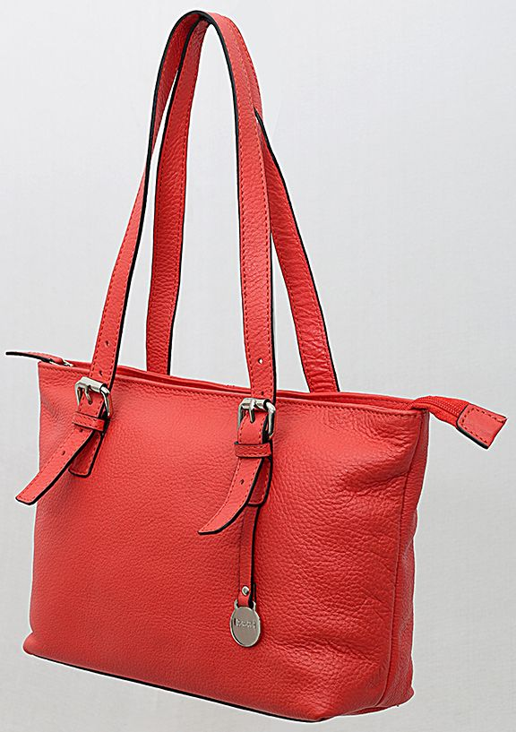 Besides a huge range of clothing collection, the iplt20fashion.com provides an enormous series of fashion accessories.