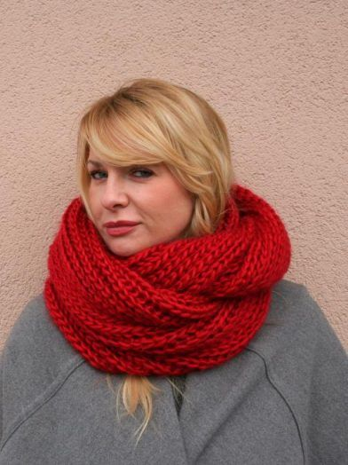Red hand knitted infinity scarf, Red women scarf, Knit scarf