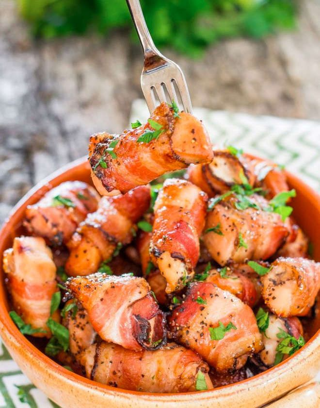 Bouchées de poulets enrobées de bacon.Vous allez enfin devenir le roi de l'happy-hour !