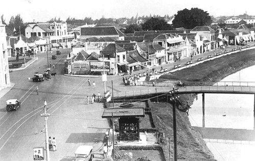Jln. Gemblongan dengan alon-alon contong circa 1920 - 1930 an