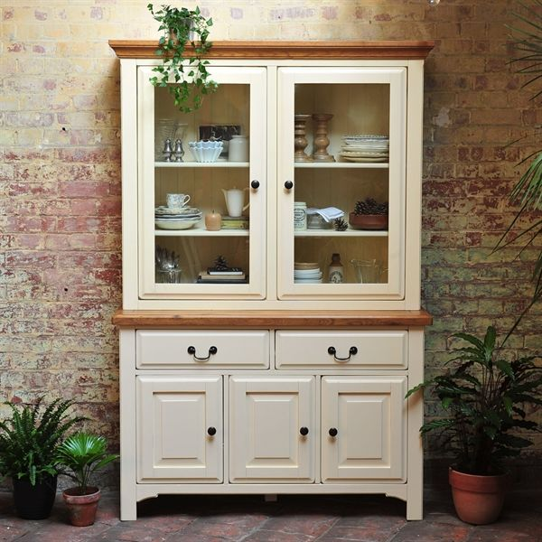 Westbury Kitchen Dresser from The Cotswold Company, Free Delivery & Free Returns. It's not a proper country kitchen without a dresser, is it? Our Westbury Dresser could have been plucked from the pages of Country Kitchen Weekly, so authentic does it look. Cream Dresser, Cream painted Dresser, Cream Display Cabinet, Country Kitchen, Styling with House Plants.