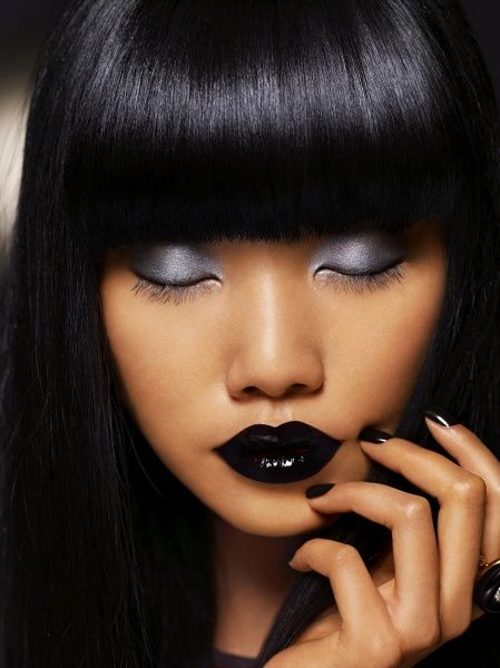 Black lips, grey lids, and it works!