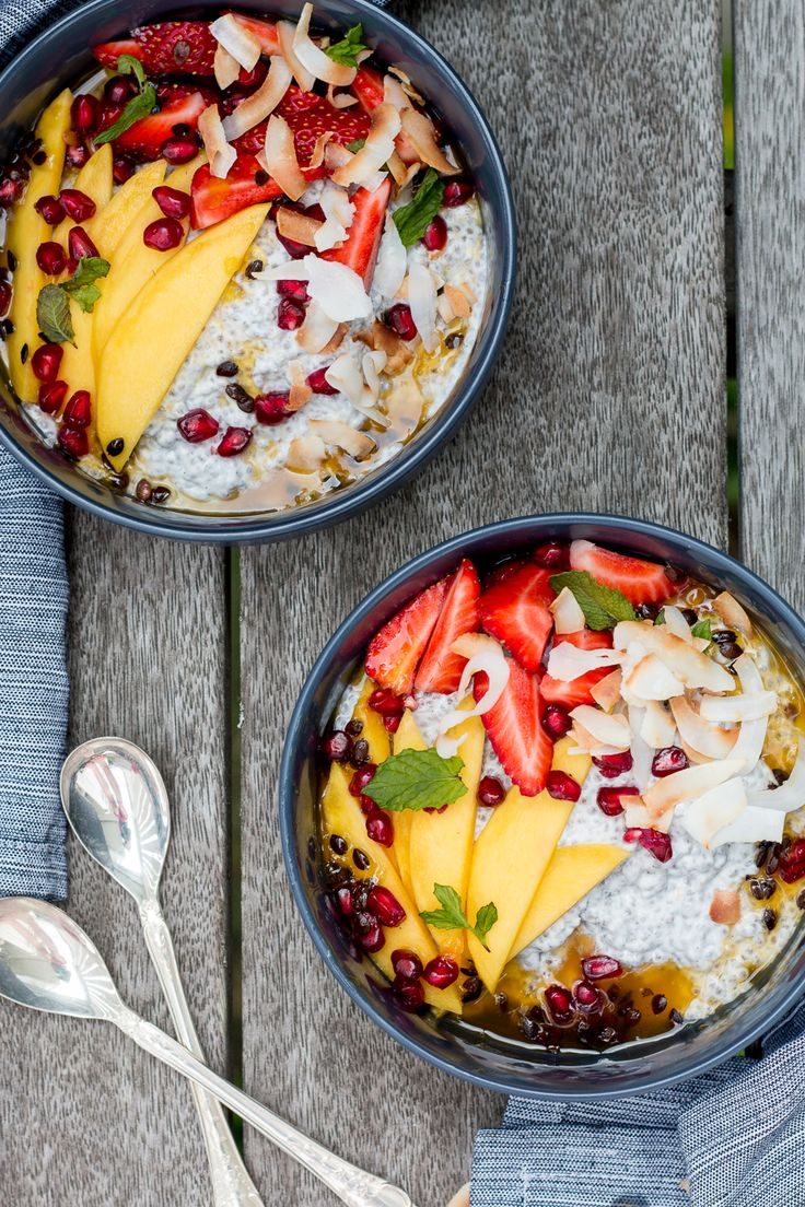 Creamy coconut chia pudding, lightly flavoured with vanilla, maple & lemon, topped with mango, passionfruit, strawberries, pomegranate and macadamias.