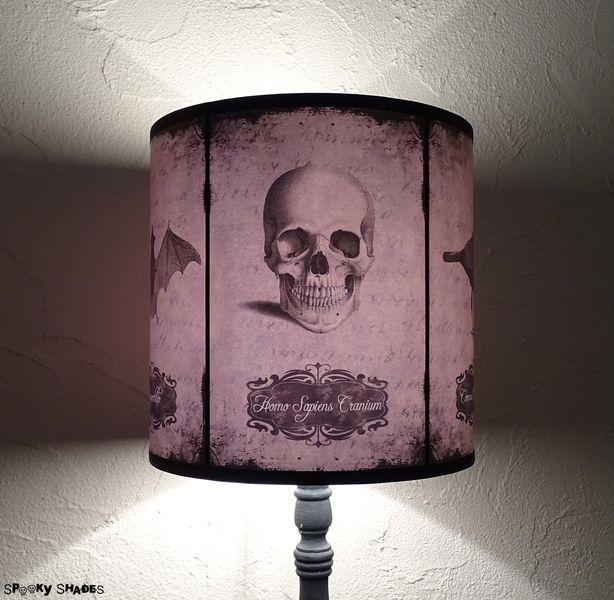 Paralume teschio Halloween Curiosities di Spooky Shades su DaWanda.com