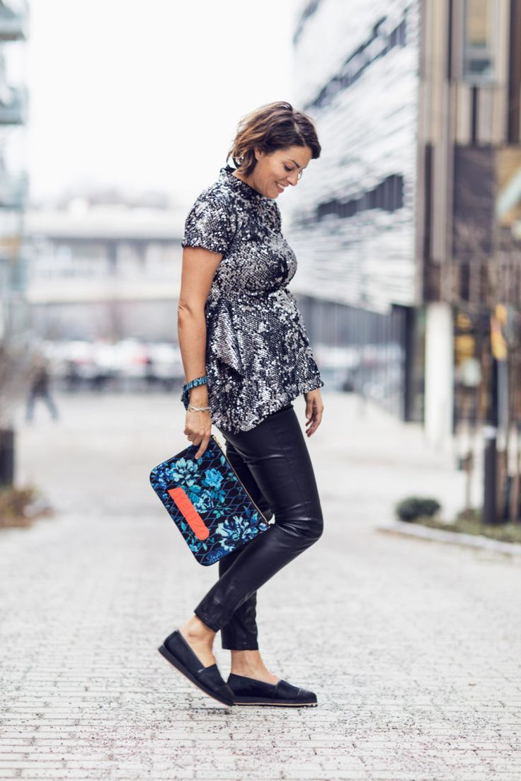 Nina Campioni wears sequin top by Bitte Kai Rand, maternity pants by H&M,  shoes by Blankens and bag by Kenzo on this Outfit of the Day -