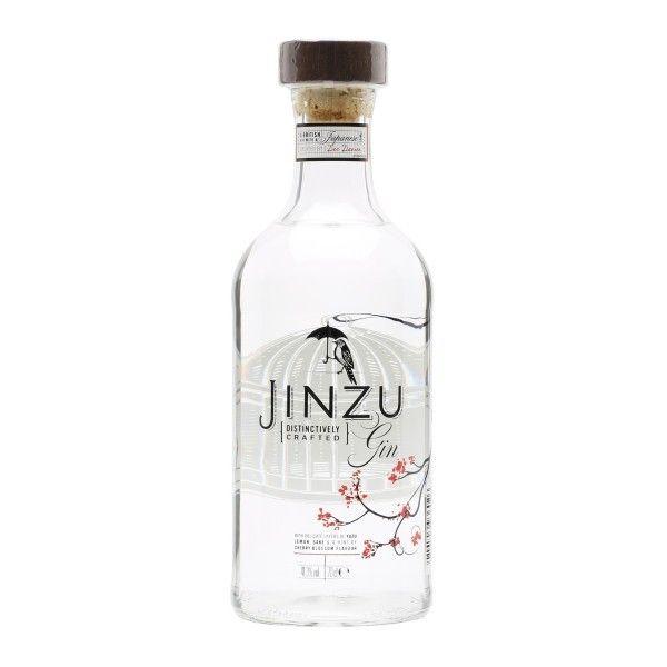 """Ginebra Jinzu por sólo 32,50 € en nuestra tienda En Copa de Balón:    https://www.encopadebalon.com/es/ginebras-premium/1291-ginebra-jinzu    Gin Jinzu es una ginebra británica, elaborada por Diageo a partir de una idea de la bartender británica Dee Davies, que se caracteriza por estar elaborada con sake y otros botánicos japoneses o de inspiración japonesa. Es el destilado ganador de la última edición del concurso """"Show Your Spirit Competition""""."""