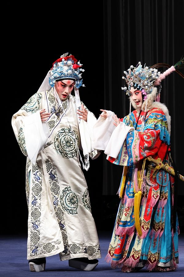 """farewell my concubine essay Is """"farewell my concubine"""" a romance, and if so, between which characters in your view, what is the central tragedy of the film do you think the film was made with """"foreign"""" audiences in."""