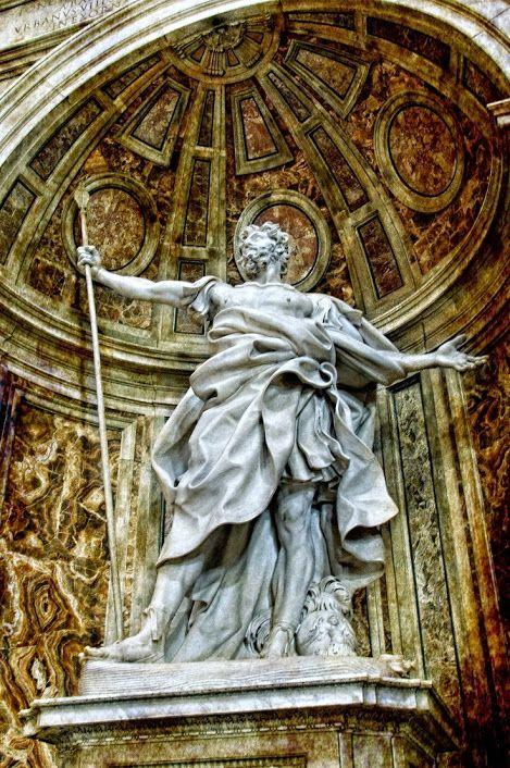 São Longuinho é uma escultura do artista italiano Gian Lorenzo Bernini. Concluída em 1638, a escultura de mármore fica no nicho nordeste no cruzamento da Basílica de São Pedro no Vaticano. Tem mais de quatro metros de altura.