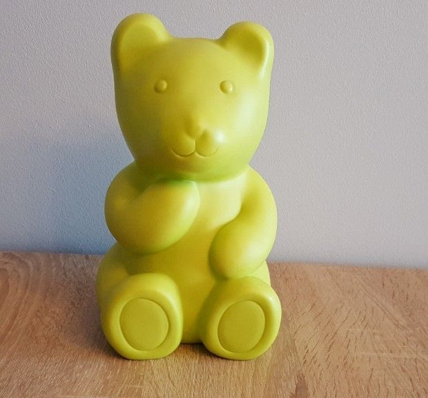 Kultowa lampka miś Haribo w kolorze zielonym #vintage #vintagefinds #vintageshop #forsale #design #midcentury #midcenturymodern #lamp #lighting #germany #haribo #lumibar #bear