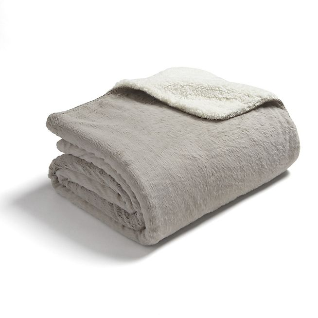 les 25 meilleures id es de la cat gorie tapis imitation fourrure sur pinterest tapis. Black Bedroom Furniture Sets. Home Design Ideas