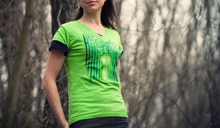 And here is green pallette on apple-green shirt. I really like the calmness of this picture, quietness of this eye-closed woman...