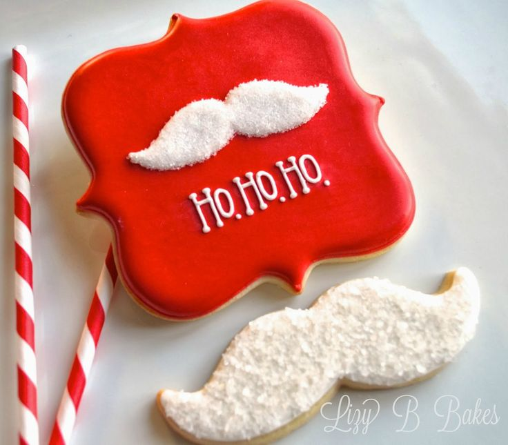 Learn how to make these quick and easy Santa Mustache cookies with this simple-to-follow Christmas cookie tutorial