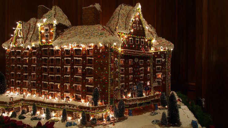 Edmonton Hotel MacDonald Gingerbread House Replica