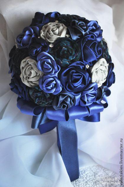Букет невесты из ткани и атласных лент `Фиолетовое настроение`. Подарочный букет или Букет невесты. Очаровательный,необычный,красивый и индивидуальный.Такой букет никогда не завянет и будет радовать вас долгие годы и напоминать о самом счастливом дне в вашей жизни.